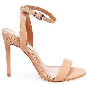 Rare Steve Madden ankle strap heels nude size 9